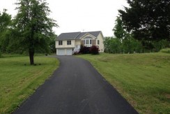 1305  Route 9,  Stockport, NY  12534 – A Must See!